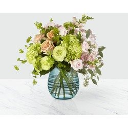 The FTD Irreplaceable Luxury Bouquet