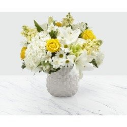 The FTD Comfort and Grace Bouquet