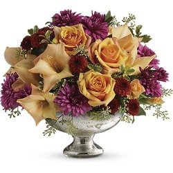 Teleflora's Elegant Traditions Centerpiece