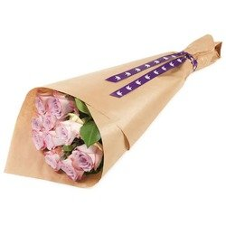 Gift wrapped pink roses (Vase not included)