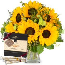 """Sunflowers Pure with Gottlieber Hüppen and hanging gift tag """"Good Luck"""""""