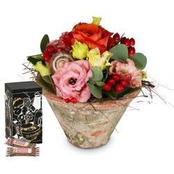 Flower Kiss with Minor Split in trendy gift tin