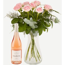 Pink roses with Les Amourettes Ros