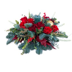 Christmas bouquet in red.