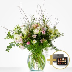 Soft Winter Bouquet includes Fleurop Flavours Chocolate
