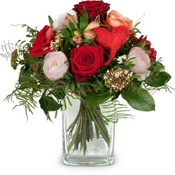 Valentine's Day Bouquet with red roses (Vase not included)
