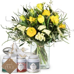 """Spring Feeling with Gottlieber tea gift set and hanging gift tag """"Good Luck"""""""