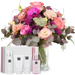 """Simply Lovely with gift set """"The Ritual of Sakura"""""""