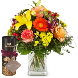 """Summer Star with Gottlieber cocoa almonds and hanging gift tag """"Happy Birthday"""""""