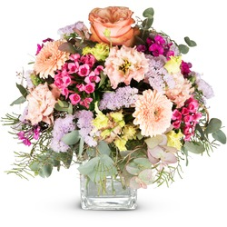 May Bouquet of the Month (Vase not included)