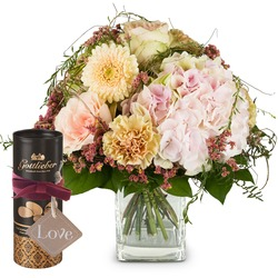 """Romantic Hydrangea Bouquet with Gottlieber cocoa almonds and hanging gift tag """"Love"""" (Vase not inclu"""